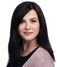Book an Appointment with Dr. Liliana Niewczas for Chiropractic